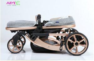 Xe đẩy trẻ emAIMIE thuộc thương hiệu AIMIE ( thương hiệu hàng đầu thế giới về các sản phẩm chăm sóc sức khỏe bà mẹ và trẻ em).Với thiết kế thông minh tay đẩy hai chiều, hệ thống 8 bánh xe linh hoạt, khung kim loại chắc chắn, xe lót bông ấm áp mềm mại, bổ sung thêm giỏ đựng đồ tiện lợi; xe đẩy trẻ em Farlin nâng đỡ bé hoàn hảo trong suốt quá trình di chuyển, để bé yêu của bạn được thoải mái và an toàn nhất. Sản phẩm phù hợp sử dụng từ khi bé sơ sinh. Đặc điểm nổi bật của sản phẩm:Xe đẩy trẻ em AIMIEđược trang bị hệ thống 8 bánh xe đôi kết hợp chốt khóa chống xoay tròn bánh giúp mẹ và bé di chuyển hiệu quả. Phanh an toàn chốt ở hai bánh phía sau, có thể bật mở dễ dàng mỗi khi mẹ dừng xe. Mái che rộng rãi, bảo vệ bé khỏi tia nắng mặt trời gây hại với mái che phía trên. có thể điều chỉnh theo 3 tư thế: Nằm, ngồi, ngả thay đổi phù hợp với nhu cầu của bé. Chức năng đẩy hai chiều tiện lợi cho mẹ. Ba mẹ có thể để bé hướng mặt vào trong khi di chuyển (bảo vệ an toàn cho bé khi đến những địa điểm đông người). Bé được nâng đỡ hoàn hảo trên lớp đệm bông êm ái mềm mại với chất liệu cotton thấm hút mồ hôi nhanh và thoáng mát. Lớp đệm trên xe cũng có thể tháo ra đê vệ sinh sạch sẽ dễ dàng. Bổ sung thêm giá để đồ tiện lợi ớ phía dưới để đựng những vật dụng cần thiết cho mẹ và bé (bỉm, sữa, khăn...).