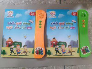 📔 📔📔Sách điện tử song ngữ thông minh cho bé- phiên bản mới nhất.👉Con có thể học Tiếng Việt , Tiếng Anh👉Con được thực hành làm Toán , các bài tập theo chủ đề👉Con được làm quen với cờ các quốc gia👉Con được nghe nhạc👉Con được nghe kể chuyện👉Con được tương tác cùng sách để giải quyết bài tập đúng - sai😲 Đặc biệt hơn , con sẽ được tập viết vào sách( có thể xoá đi viết lại đc)